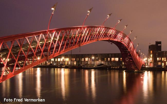 Amsterdam: Moderne architectuur aan 't IJ